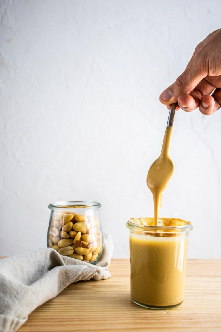 Beurre de cacahuète maison - sans huile et en 2 ingrédients