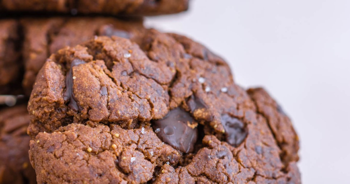 Buckwheat chocolate peanut butter cookies - easy and delicious