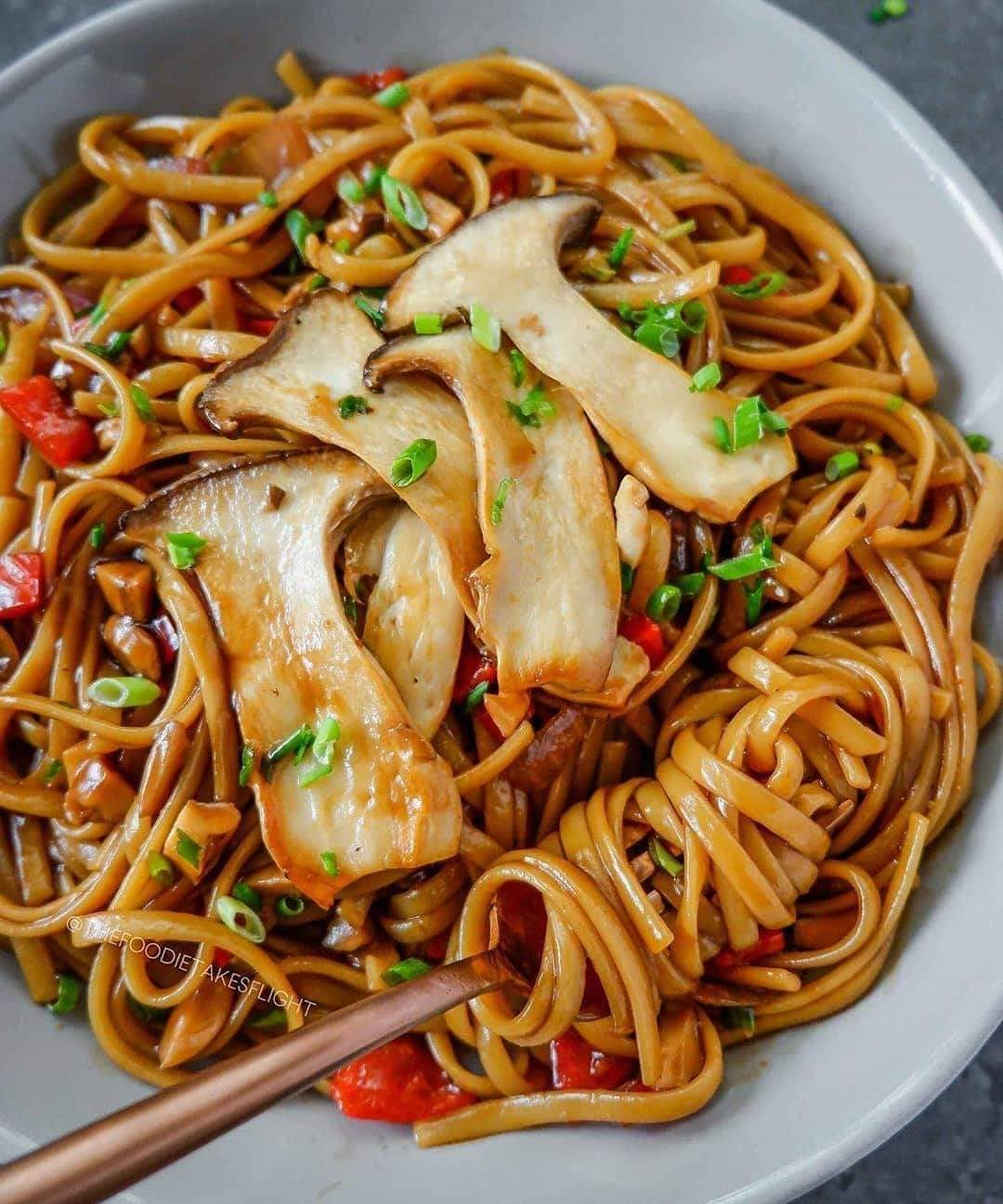 easy kung pao pasta by thefoodietakesflight  a really display image  6ebeb3db