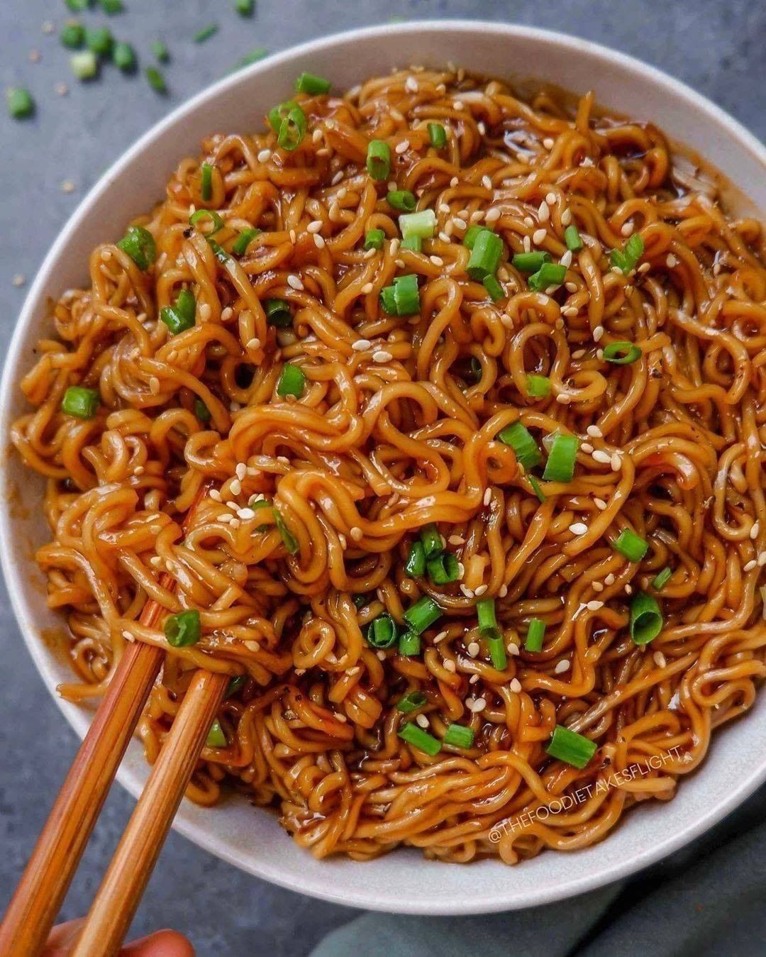 easy saucy ramen noodles  by thefoodietakesflight display image  6293ac33