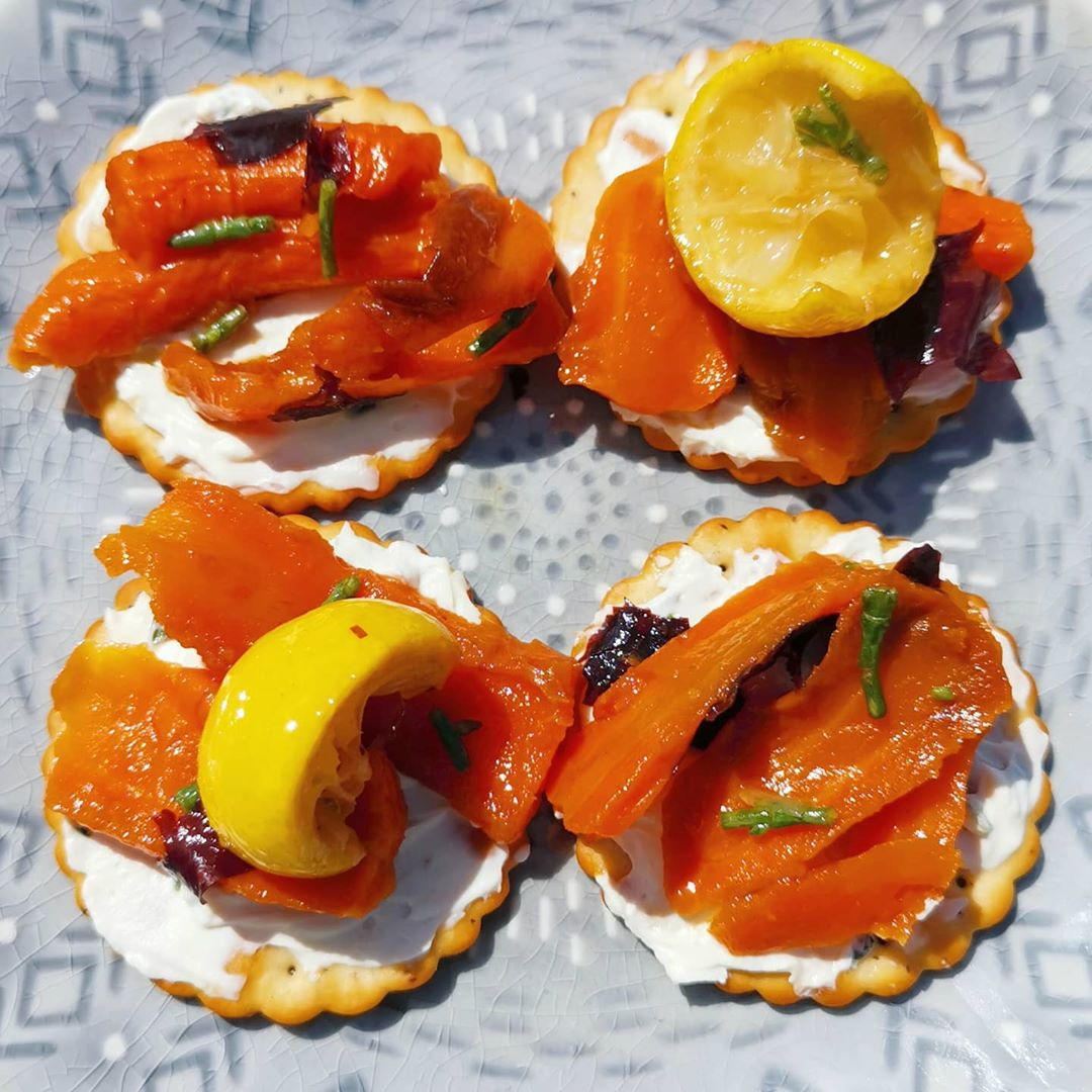 smoked carrot lox  on salt n pepper crackers with display image  4921b225