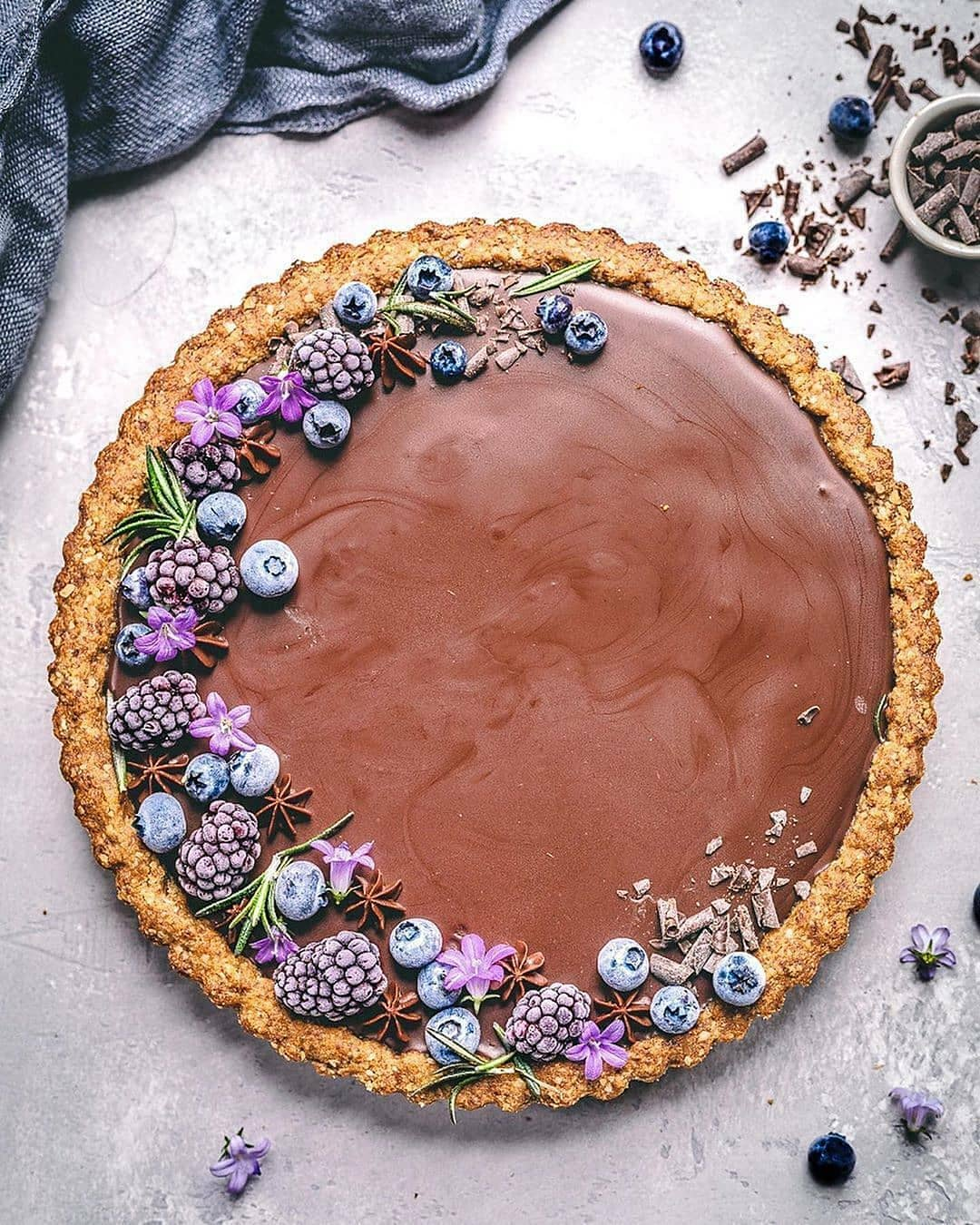 gluten free blueberry and chocolate tart by sculptedkitchen display image  553c29a7