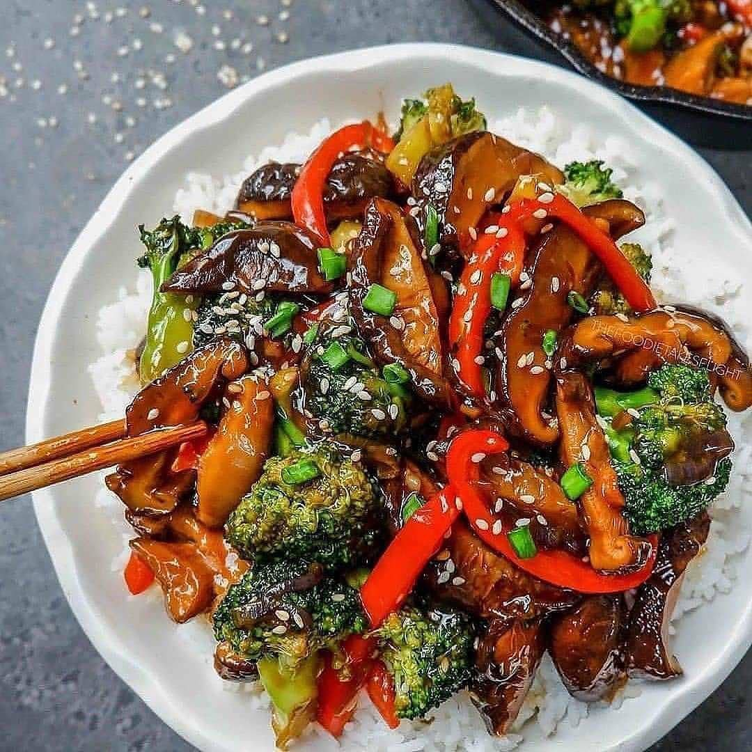 chinese style no beef and broccoli by thefoodietakesflight display image  b18afe7e