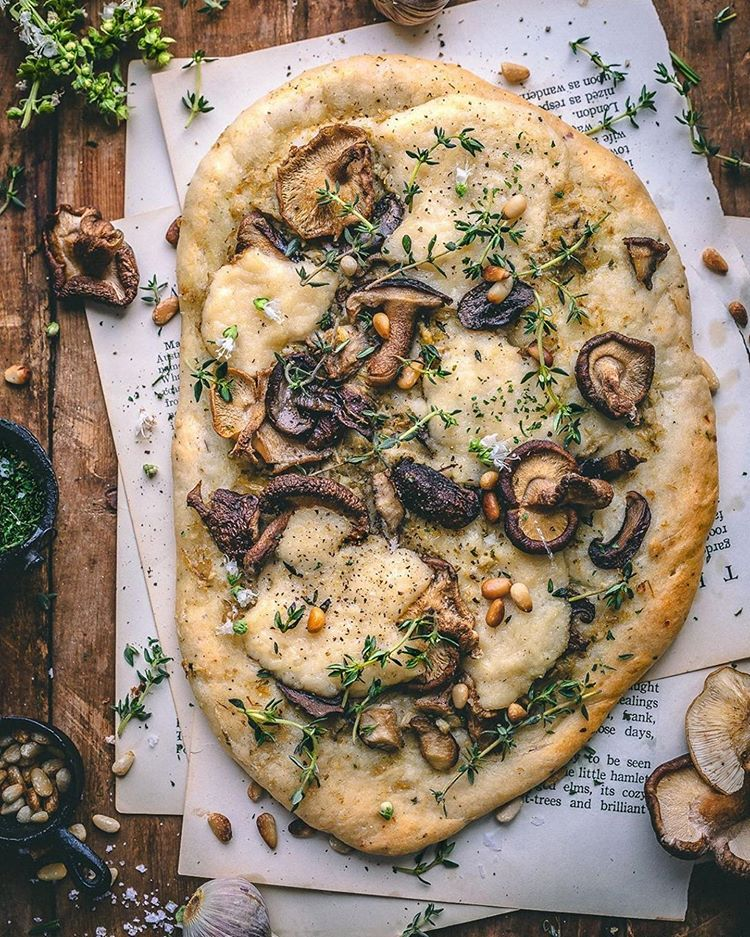 pizza bianca by sculptedkitchen display image  9bd40b22