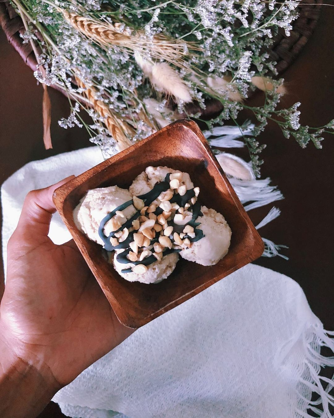 creamy divine dairy free coconut ice cream you can make at display image  27ebfca5