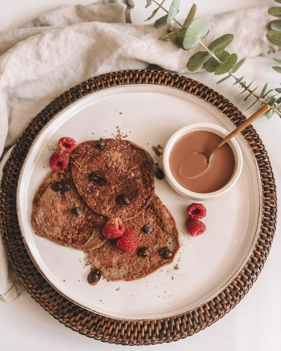 must try easy choc protein pancakes display image  3a136230