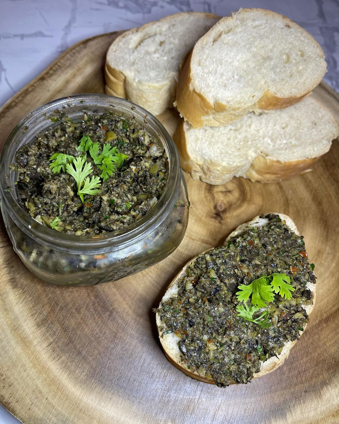 olives tapenade display image ffe
