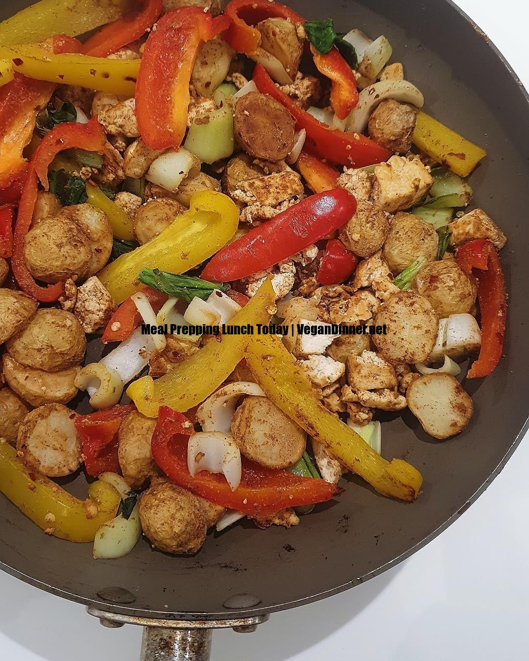 meal prepping lunch today display image de