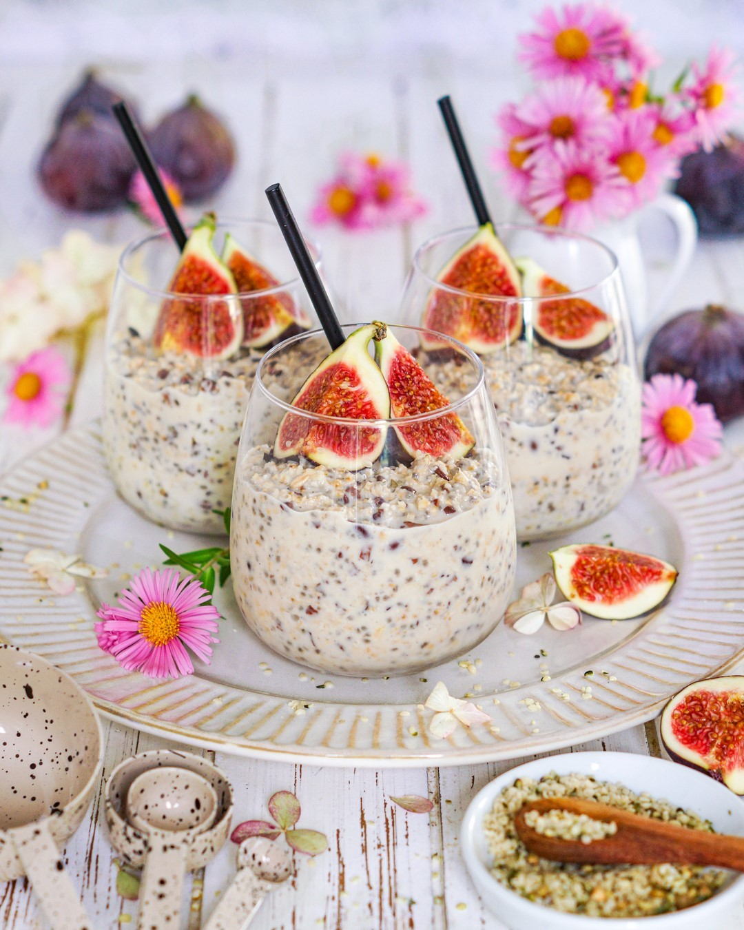 overnight oats with fig topping for this cloudy thursday display image aa