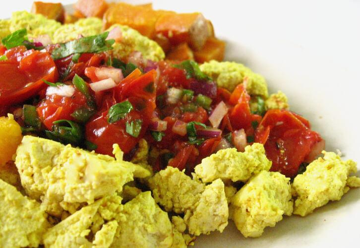 scramble tofu vegan brunch veganprogram