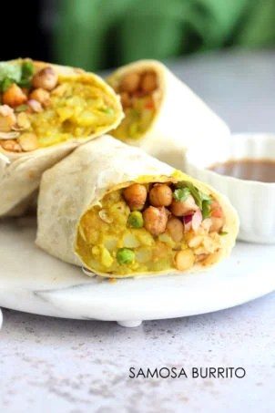 Samosa Wraps - Spiced Potatoes, Chickpeas, Chutney Burrito. Easy Spiced Potato Chickpea Burrito for lunch, picnic or carry out. #VeganRicha #Vegan #Nutfree #Soyfree #Recipe Easily #Glutenfree