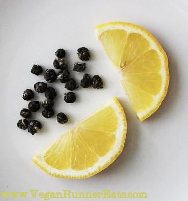 healthy plant-based food combinations: tea and lemon