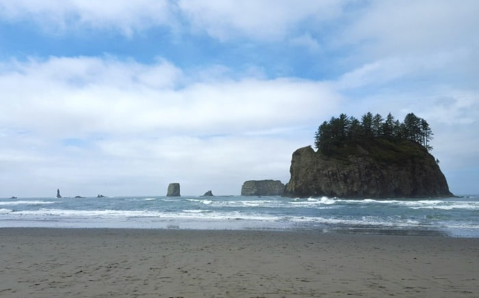 Sea stacks at the Second Beach in La Push, WA