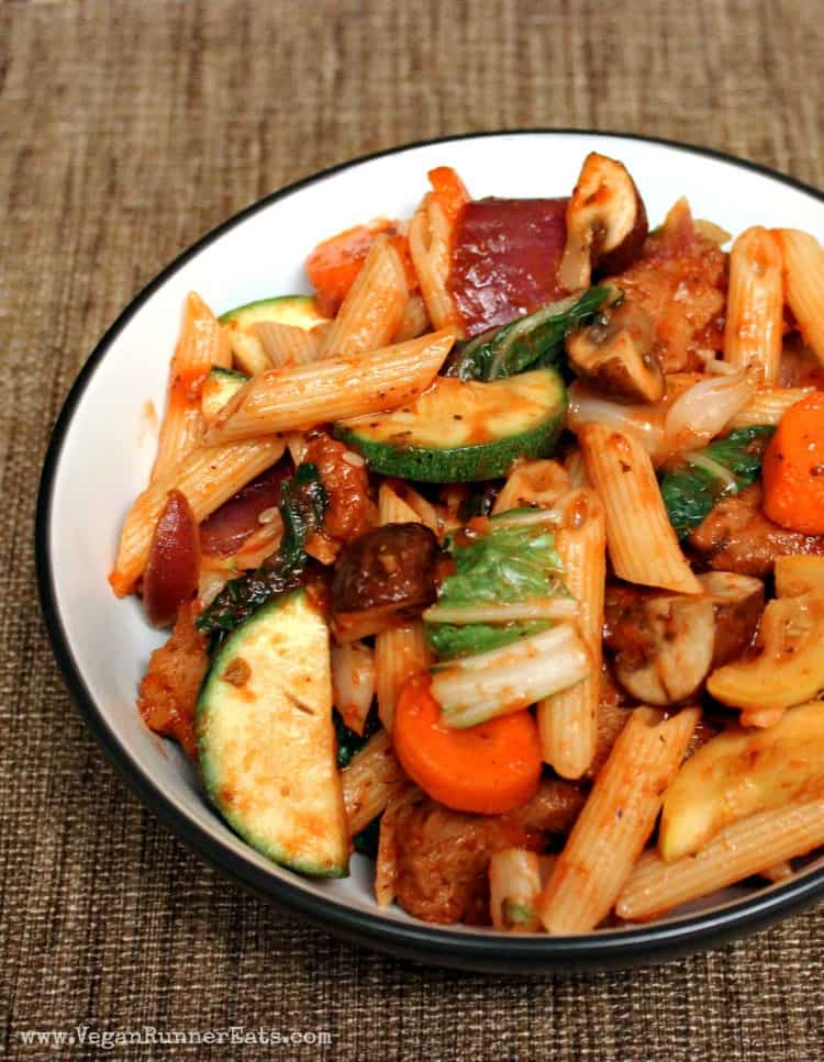 Barbecue pasta with vegetables and homemade BBQ seitan