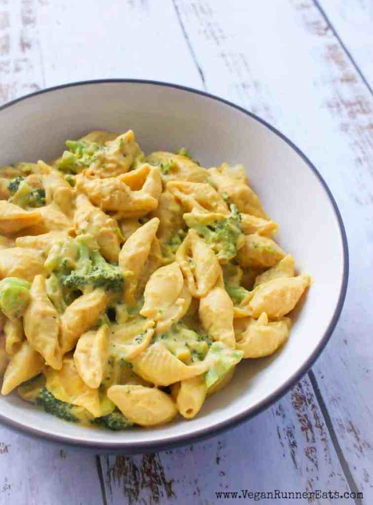 Yummy and healthy vegan mac and cheese with broccoli - a kid-approved vegan recipe
