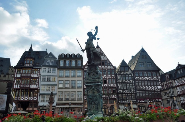 Day 9 in Deutschland, Busting Out With Rail Pass {Frankfurt}
