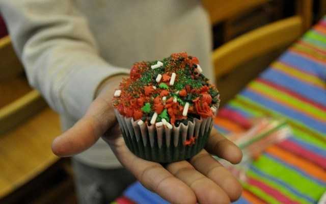Holiday Treats: The Kids and the Cupcakes
