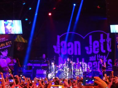 JJ and crowd