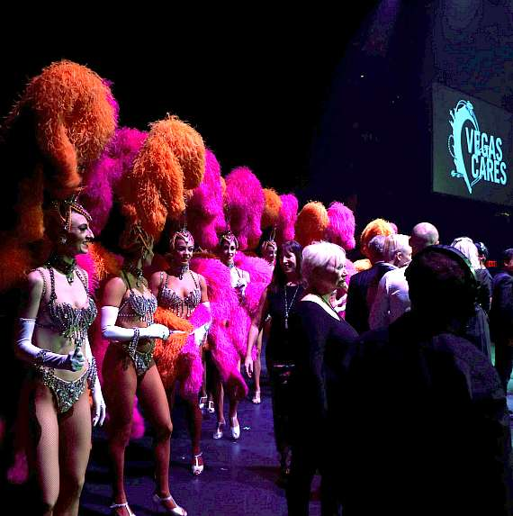 Showgirls during the finale