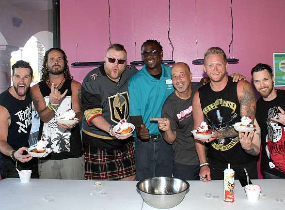 "Tenors of Rock and Donut Mania Launch the ""Rockin' Poppin' Doughnut Sundae"" Benefitting the Las Vegas Rescue Mission"