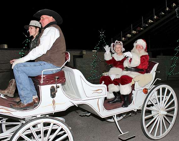 Santa and Mrs. Claus arrive at Glittering Lights