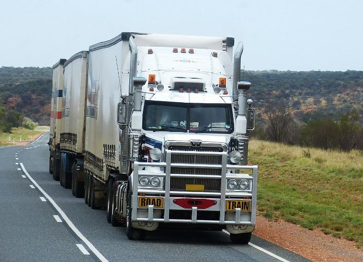 An 18-Wheeler Accident Attorney Can Help Fight For Victims of Drowsy Truckers