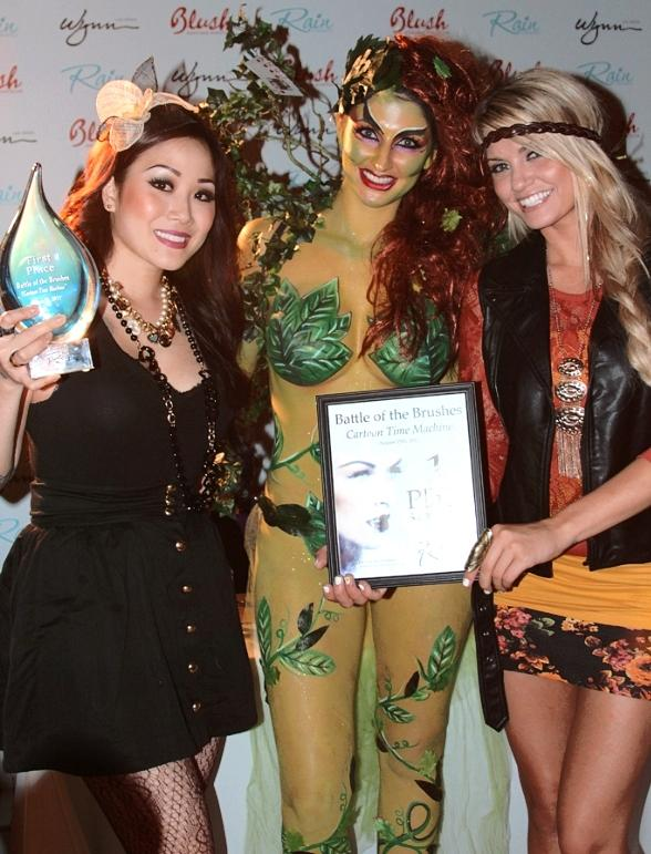 Angel Porrino with Battle of the Brushes winner Maile B of Vdara Spa Salon and her 'Poison Ivy in Sin City' creation