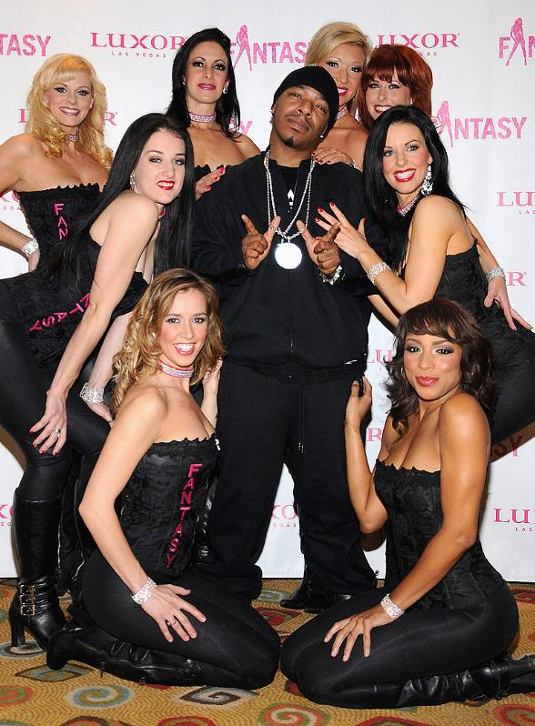 International recording artist, Sisqo, on the red carpet with the lovely ladies of FANTASY prior to opening night of his two week guest appearance in Las Vegas' sexiest adult revue, FANTASY at the Luxor.