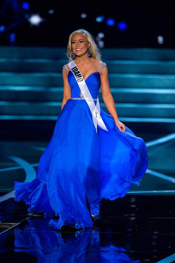 Miss Idaho in Miss USA 2013 evening gown competition