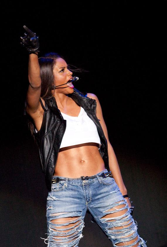 Ciara performing at The Pearl Concert Theater