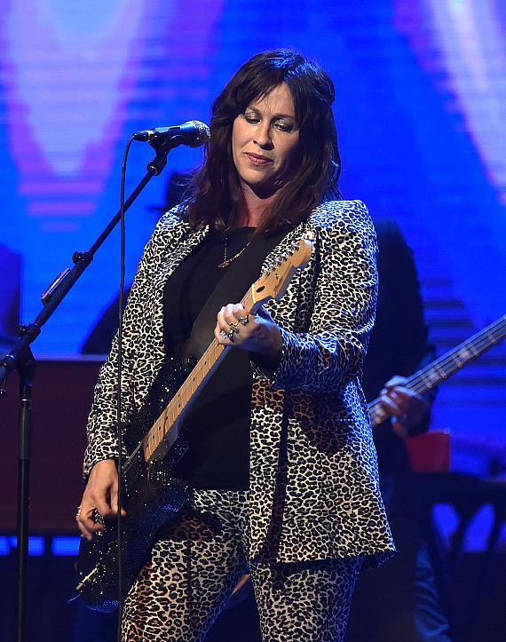 Alanis Morissette at The Pearl