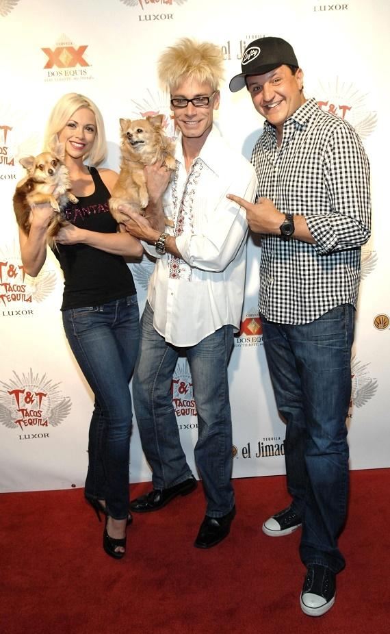 "Kahlua and Ella pose with Chloe Crawford, Murray SawChuck and Douglas ""Lefty"" Leferovich at Tacos & Tequila"