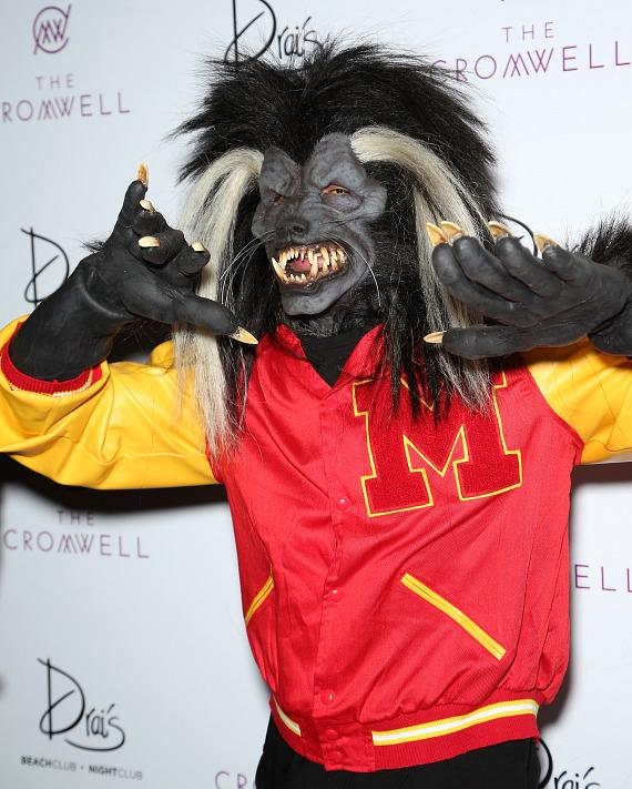Chris Brown Arrives for THRILLER at Drai's Nightclub