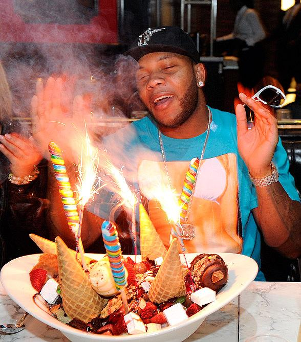 Flo Rida indulges in Sugar Factory American Brasserie's King Kong Sundae