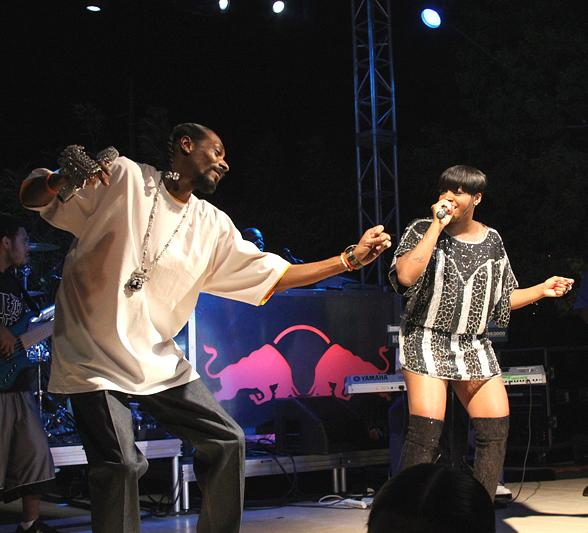 Snoop Dogg performs for sold out crowd at Palms Pool & Bungalows
