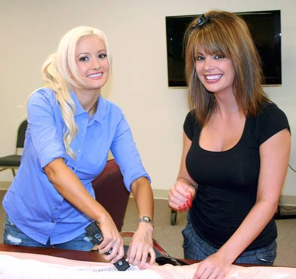 Holly Madison and Laura Croft Visit the Gulf Coast