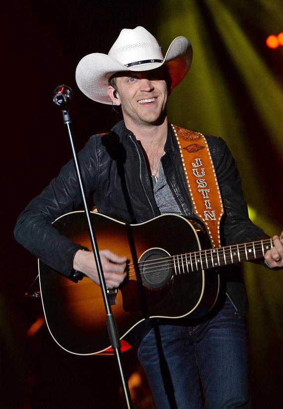 Justin Moore at ACM Party for a Cause Outnumber Hunger