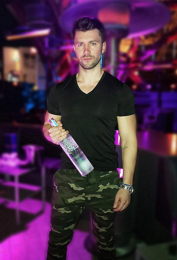 Bachelor Contestant Kamil Nickalek Spotted at Chateau Nightclub & Rooftop in Las Vegas