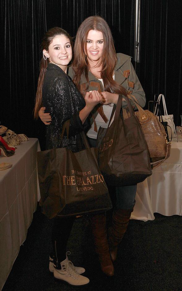 Khloe Kardashian and Kylie Jenner show off their Palazzo bags