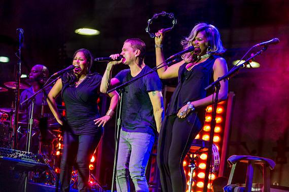 Counting Crows and Rob Thomas take over the Downtown Las Vegas Events Center