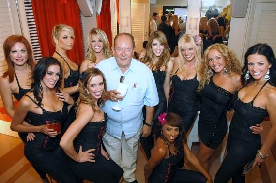 Robin Leach with the cast of FANTASY