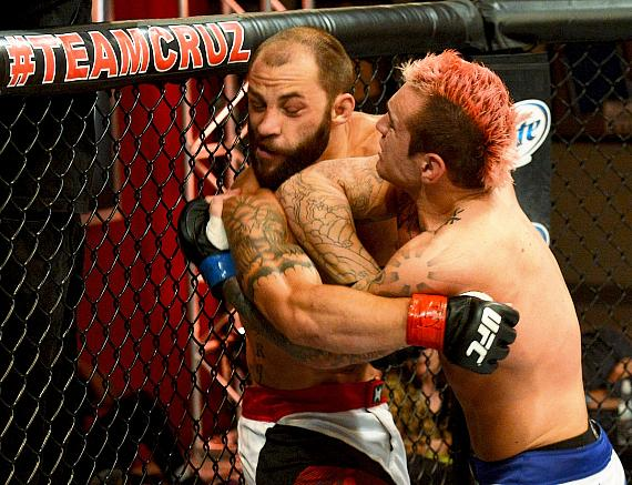 The Ultimate Fighter Live Episode 8: Chris Saunders nabs split decision win over Sam Sicilia