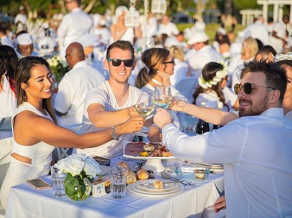Le Dîner en Blanc Returns to Las Vegas and Attracts Over 1,200 Revelers