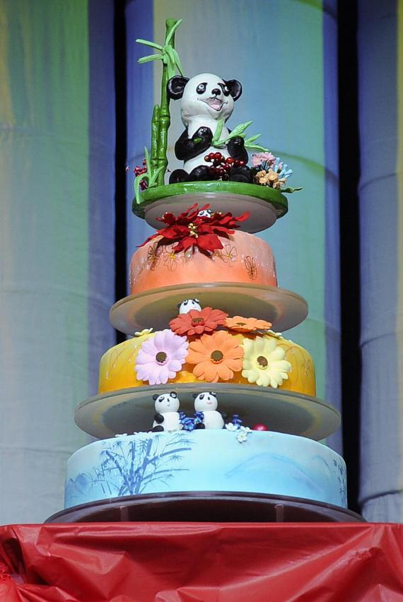 Venetian Palazzo Pastry Team Presents PANDA! with Cake in Honor of 100th Show