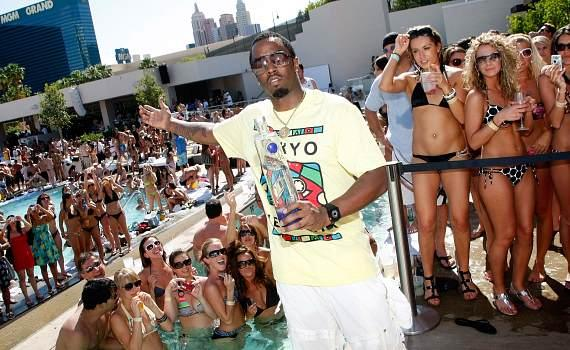 """Sean """"Diddy"""" Combs at the WET REPUBLIC pools"""