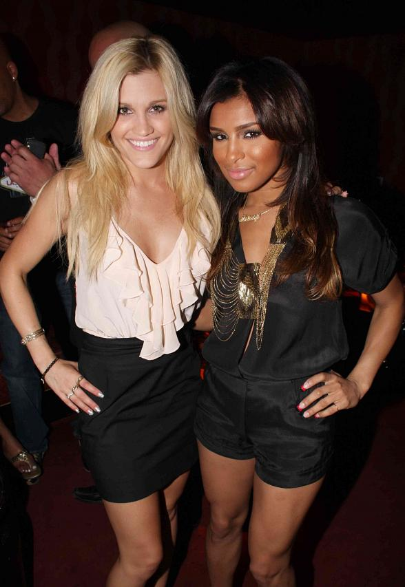 Pussy Cat Dolls' Ashley Roberts and Melody Thornton
