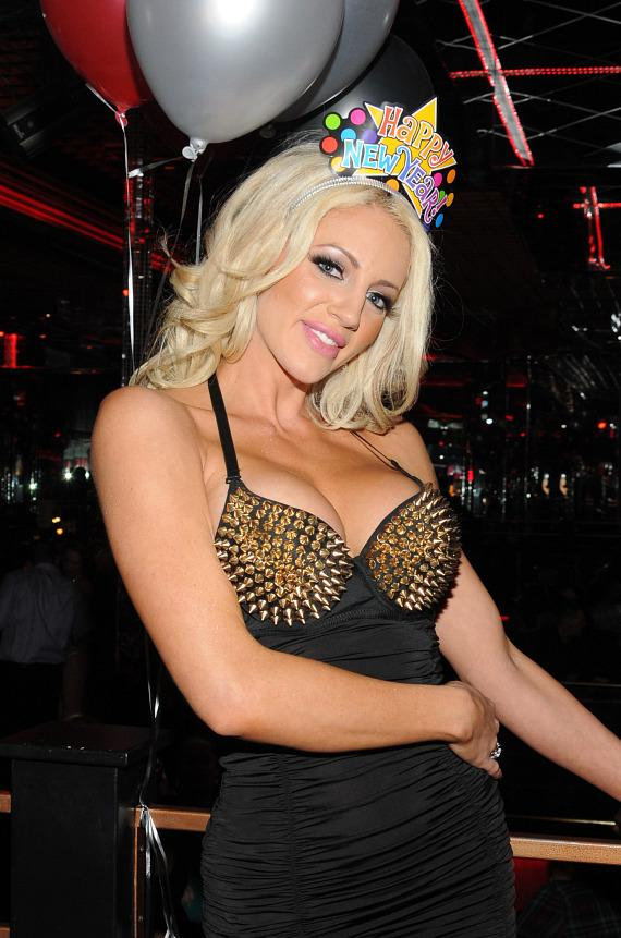 Nicolette Shea at Crazy Horse III