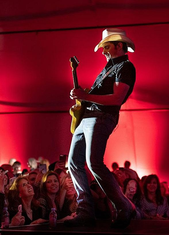 Brad Paisley Headlines 19th Annual Governor's Black-Tie Event Presented by Olympia Companies SH Charitable Foundation