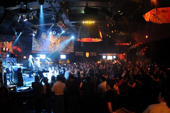 Snow Patrol performs to packed house at Wasted Space (Photo credit: Hard Rock Hotel - Scott Harrison/RETNA)