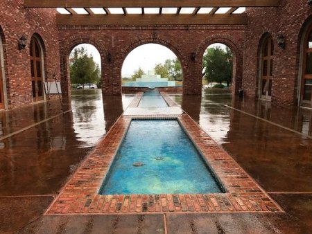 Robert Hall Winery Courtyard